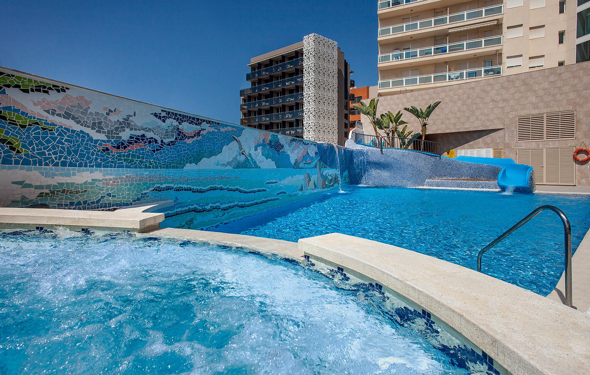 Fotos hotel rh vinar s playa hoteles en vinar s castell n for Hoteles en portonovo con piscina